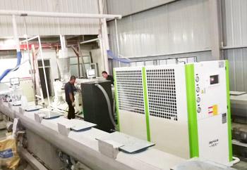 塑料挤出机使用冷水机案列