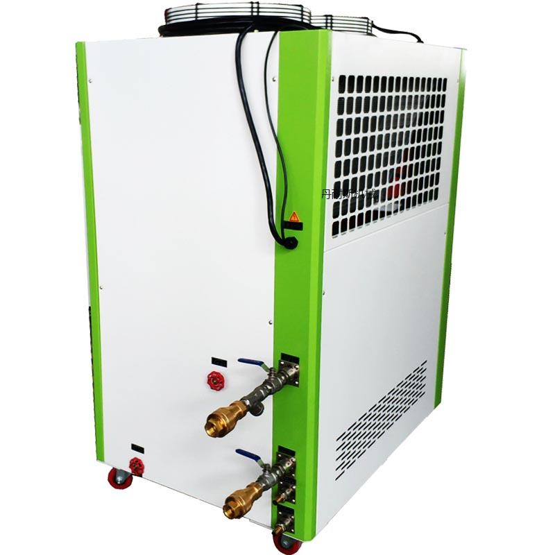 工业冷水机